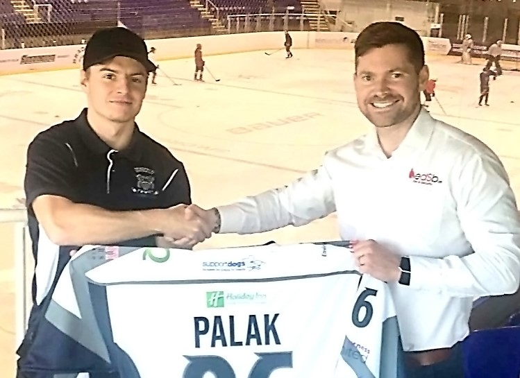 EDSB Group of Companies sponsor 2017/2018 Moralee Conference League Winners, Sheffield Steeldogs Adrian Palak!
